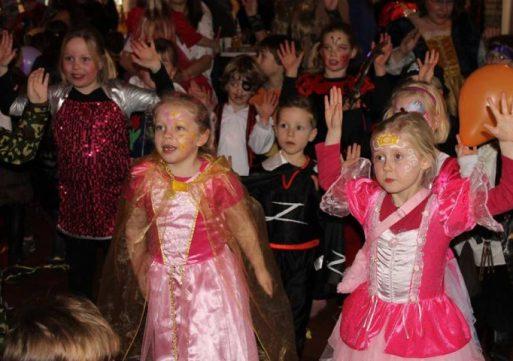 Kindercarnaval bij De Hoefstal in Kaatsheuvel
