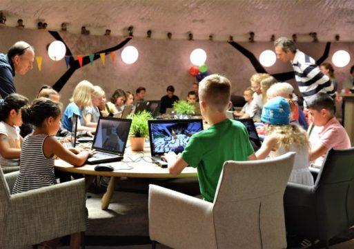 Kinderen spelen nu ook digitaal samen in Villa Pardoes